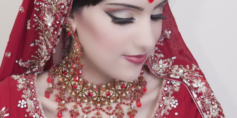 Asian Bridal Hair & Makeup Bradford, Leeds, Keighley, Huddersfield, Halifax, Dewsbury